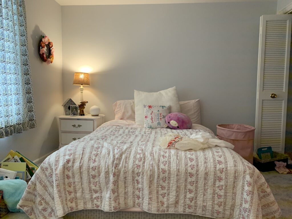 Bedroom with the mattress on the floor